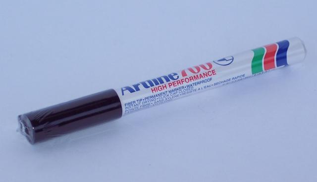 Artline 700 permanent marker black